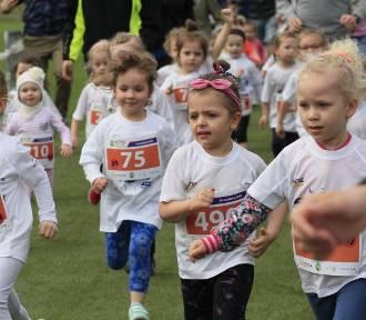 DOZ Maraton Łódź 2018. Dzieci pobiegły w Kids Run [ZDJĘCIA]