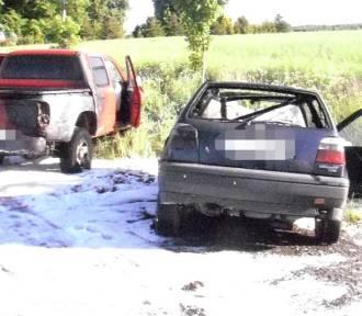 Gmina Darłowo: Dwa samochody stanęły w ogniu [ZDJĘCIA]