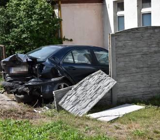 Sławno: Znów groźnie na ul. Koszalińskiej w rejonie przejścia dla pieszych. Ile jeszcze? [FOT,