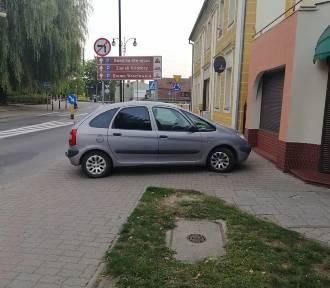 Mistrzowie parkowania z Oleśnicy i okolic znów w akcji. Ich pomysły zdumiewają!