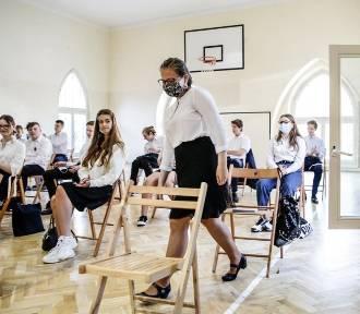 Uczniowie wracają od września do szkół. W czerwonych strefach też