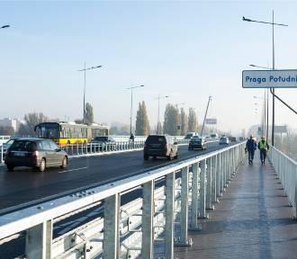 Wypadek na moście Łazienkowskim. Olbrzymie korki w stronę Saskiej Kępy