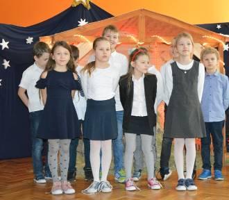 Świątecznie rozśpiewana Szkoła Podstawowa nr 7 w Skierniewicach [ZDJĘCIA]