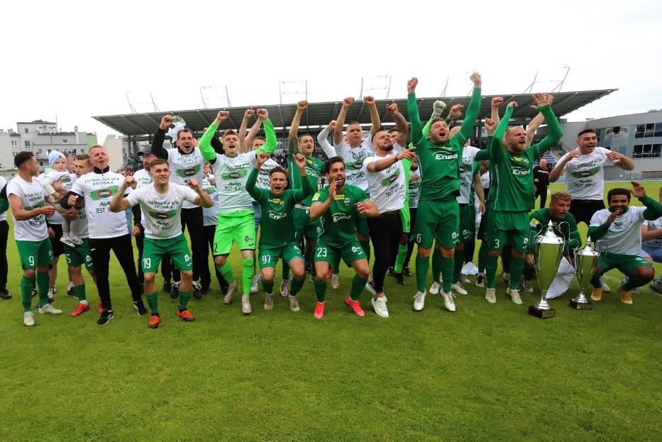 Puchary i gratulacje po meczu Radomiak Radom - Korona Kielce - zobacz zdjęcia