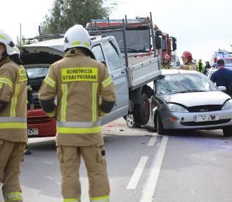 Trzy samochody zderzyły się w Pokrzywnie