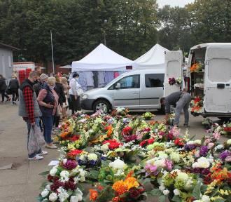 Tyle kosztują kwiaty, owoce, warzywa i grzyby na Targowisku Miejskim w Inowrocławiu