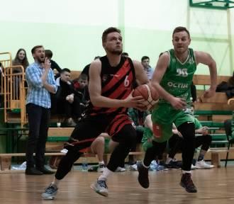 III liga piłki koszykowej - STK Engie Czarni Słupsk ulegają AZS UWM Olsztyn