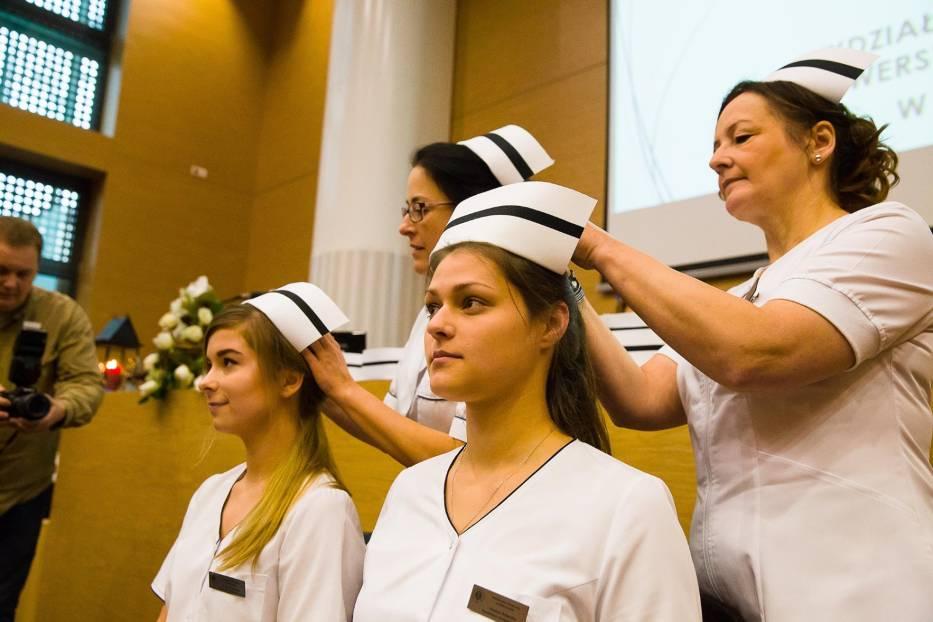 Młodzież garnie się do zawodu pielęgniarskiego