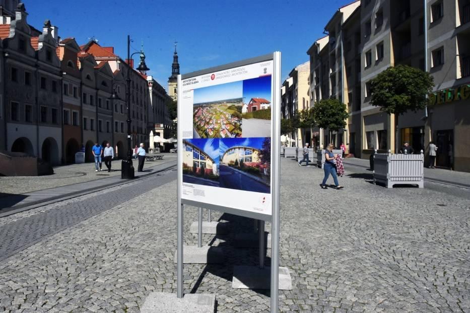 Architektura Dolnego Śląska, plenerowa wystawa w Legnicy