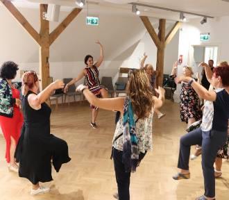 Smaki i rytmy Armenii wypełniły Stary Ratusz w Gnieźnie. Gnieźnianie tańczyli ormiańskie tańce