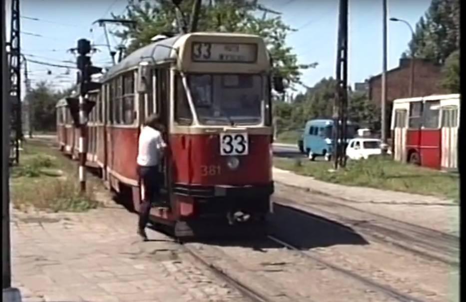 Warszawa tuż przed upadkiem PRL. Nietypowy film z okien tramwaju [WIDEO]