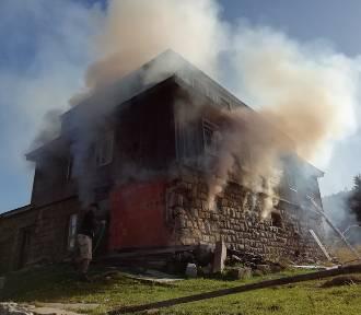 AKTUALIZACJA: Pożar na Przełęczy Karkonoskiej! Płonął budynek mieszkalny! [ZDJĘCIA]