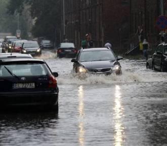 Nad Łódź nadciąga nawałnica. Będzie lało i wiało