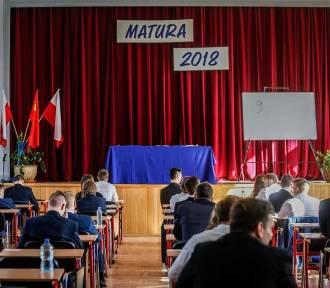 Matura 2018 język polski poziom podstawowy [arkusze, odpowiedzi]