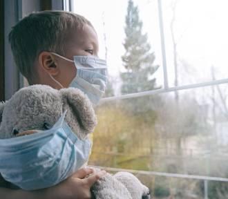 Coraz więcej dzieci ma powikłania po COVID-19. Pomogą im lekarze z Krakowa