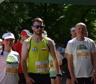 4. Półmaraton Chełmski z PKO Bankiem Polskim. Pobiegli dla Wiktorii i Mikołaja (ZDJĘCIA, WIDEO)