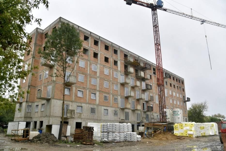 Mieszkanie Plus w Radomiu. Trwają prace przy budowie bloków [ZDJĘCIA]