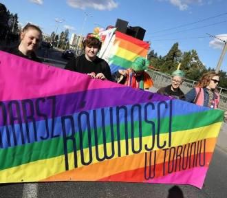 Tęczowy piątek w szkołach Łódzkiego. Biskupi protestują!