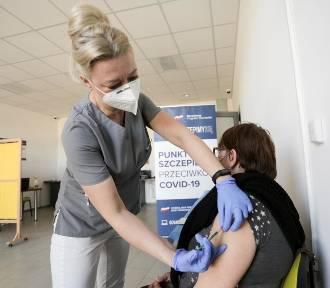 Przychodnie odwołują szczepienia preparatem Johson&Johson
