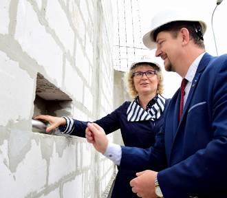 Powstaje hala SP 3 w Malborku. Wmurowano akt erekcyjny na placu budowy [ZDJĘCIA]