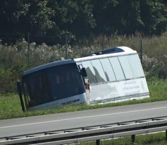 Wypadek autokaru z dziećmi na autostradzie A2! [ZDJĘCIA]