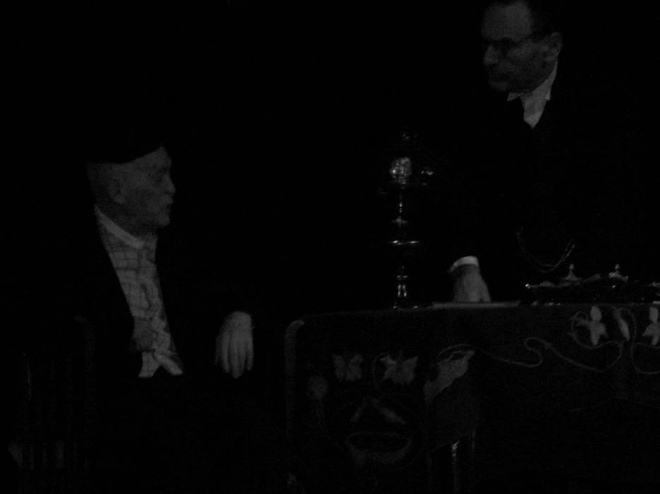 """Jerzy Nowak i Tadeusz Malak w scenie z przedstawienia """"Ja jestem Żyd z Wesela"""""""