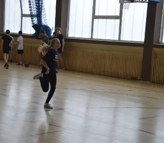 Emocjonujące zawody halowe młodych lekkoatletów Zantyra