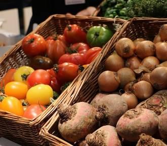 Które markety błędnie podały pochodzenie warzyw i owoców?