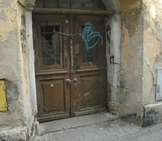 Zaniedbane, opuszczone budynki w Lesznie. Niektóre dostaną nowe życie