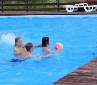 Letnie baseny w Starachowicach w piątek 9 lipca. Zobacz, ile osób szukało tam ochłody