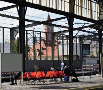 Remont dworca w Legnicy, perony 1, 2 i 5 zamknięte dla podróżnych [ZDJĘCIA]