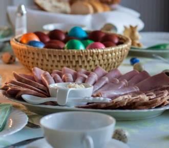 Catering wielkanocny w Pruszczu. Gdzie zamawiać gotowe dania na święta? Jakie są ceny