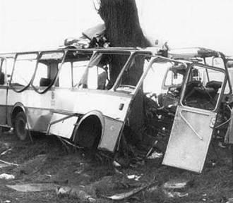 Wypadek autobusowy w Kokoszkach w TV. Tą tragedią żyła cała Polska!