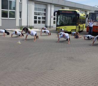 """Gnieźnieńskie """"autobusy"""" w akcji #GaszynChallenge"""