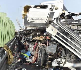 Wypadek tirów na S5 w okolicach Rydzyny. Kabina dafa zmiażdżona [ZDJĘCIA i FILM]