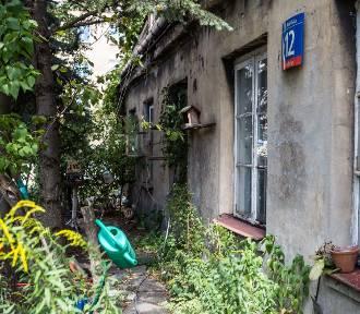 Zabytek sprzed stu lat w ruinie. Najstarszy dom na Grochowie się zawali?