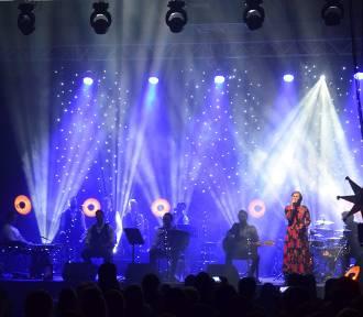Zespół muzyczny Enej kolędował we Władysławowie w ostatnią sobotę.
