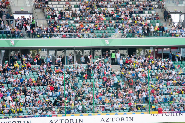 Wielki Mecz TVN vs WOŚP. Gwiazdy na boisku i tłumy kibiców na trybunach [ZDJĘCIA, RELACJA]
