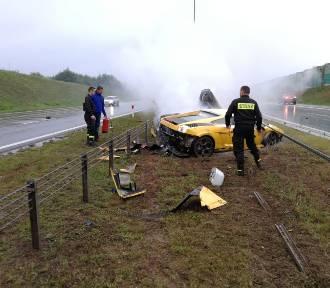 Pierwsi na miejscu byli strażacy z Pucka i Wejherowa: udzielili pomocy kierowcy