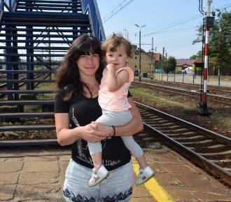 Schody na stacji w Kaletach odstraszają podróżnych ZDJĘCIA