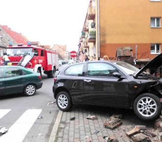 Wypadek w Skwierzynie. Samochód staranował ogrodzenie kościoła [ZDJĘCIA]