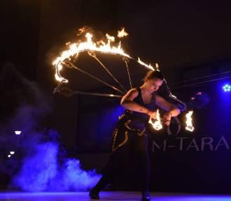 WOŚP 2020: Światełko do Nieba i Teatr Ognia na zakończenie 28. Finału [ZDJĘCIA]