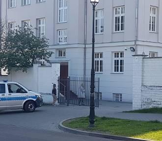 We Włocławku alarmu bombowego podczas Matury 2019 nie było tylko w jednej szkole. Za sprawą stoi