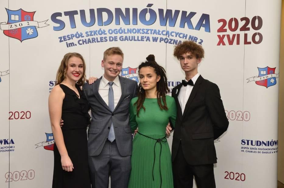Studniówka XVI LO w Poznaniu dobyła się w Andersii