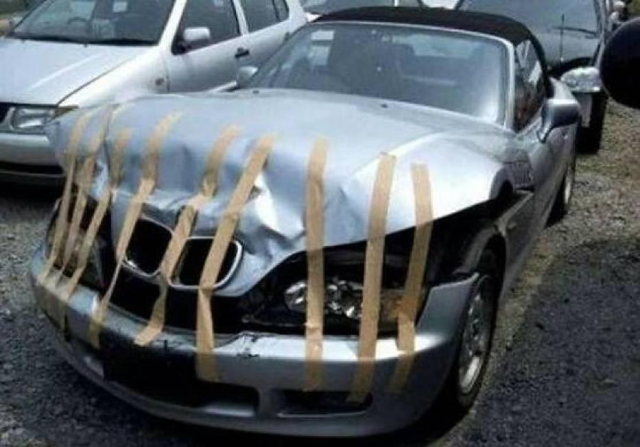 Mechanik płakał, jak naprawiał. Dwie kierownice, taśma klejąca i piwo zamiast części [ZDJĘCIA]