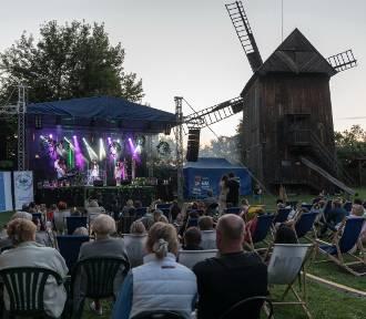 Koncert Wiktorii Krakowskiej w skansenie muzealnym