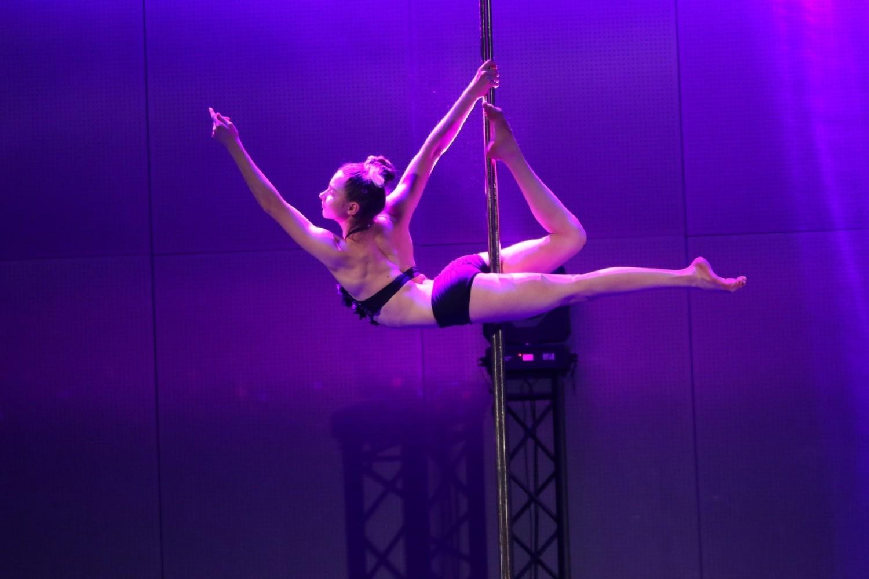 Pole dance show w Targach Kielce. To jedna z atrakcji Fit Weekend. Są gwiazdy z Europy [WYJĄTKOWE ZDJĘCIA]
