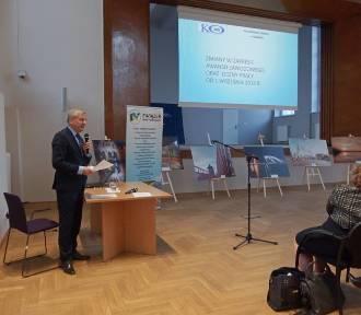 Powiat nowodworski. Samorządowcy wzięli udział w konferencji, dotyczącej edukacji w województwie
