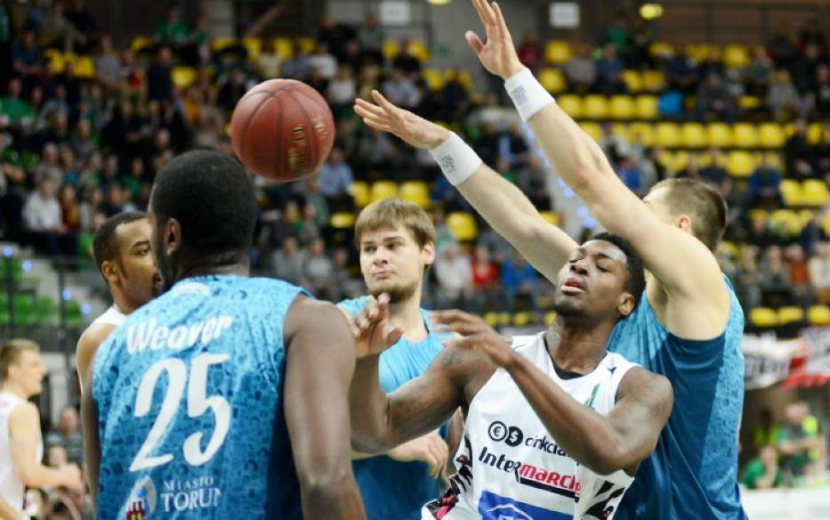 W niedzielę, 8 stycznia koszykarze Stelmetu BC Zielona Góra przed własną publicznością pokonali Polski Cukier Toruń 83:67