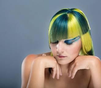 Te makijaże, fryzury i paznokcie zamiast podkreślić piękno... zaszkodziły
